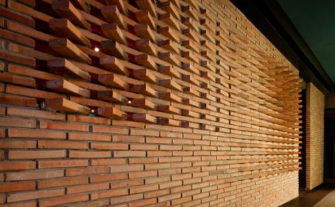 enchape-ladrillo-moderno-pared-exterior