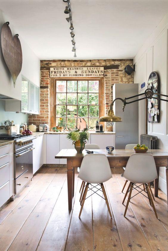 cocina-noble-madera-enchape-ladrillo-retro